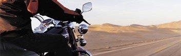 Mototicleta Harley-Davidson na estrada